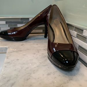 Size 11 Burgundy and Black Bandolino pumps 4""